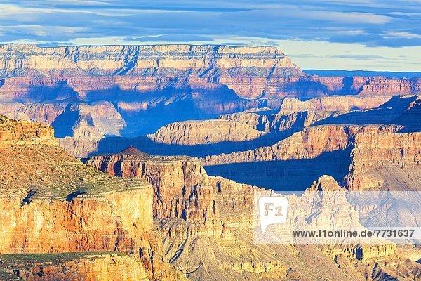 Blick bei Sonnenaufgang vom South Kaibab Trail  Grand Canyon  Arizona  USA