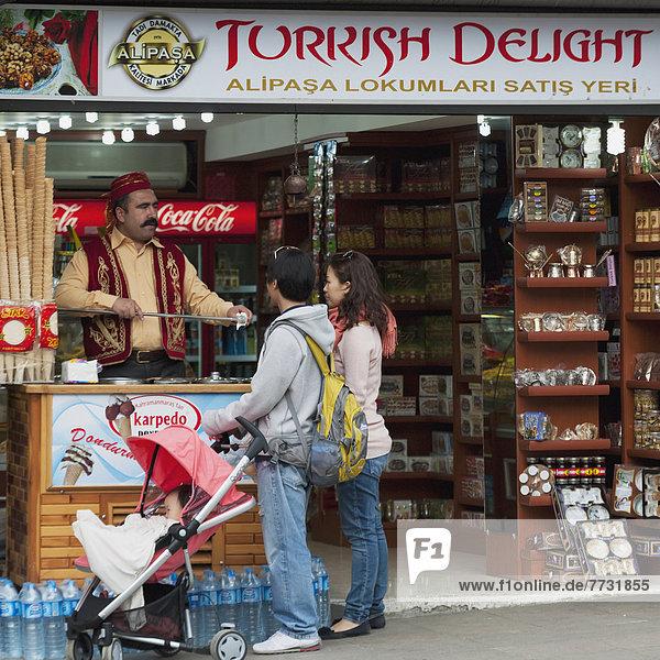 Fröhlichkeit  verkaufen  Kunde  Laden  türkisch