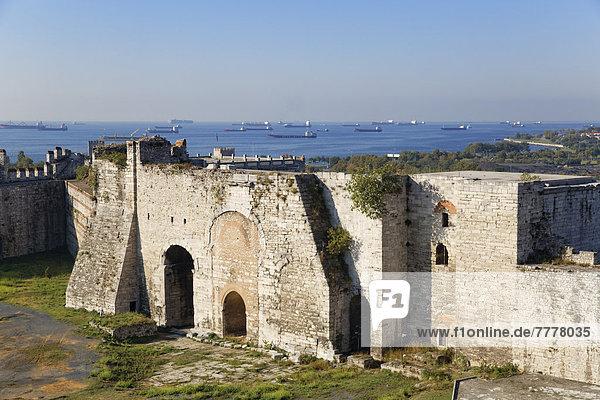 Goldenes Tor  Yedikule-Kastell  Burg der Sieben Türme  Theodosianische Landmauer