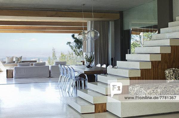 Treppe im modernen Haus