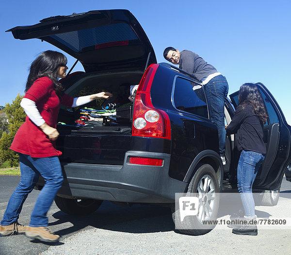 hoch  oben  Auto  Hispanier  verpacken