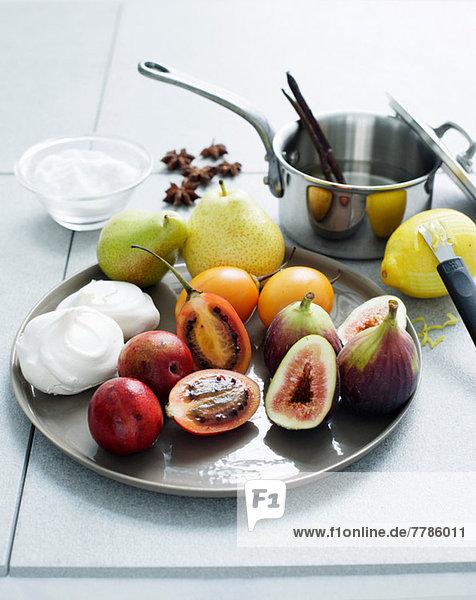 Fruchtzutaten zur Herstellung von Meringue