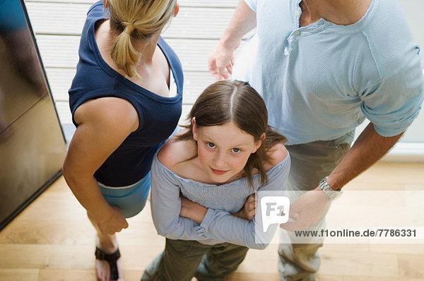 Mädchen und Eltern