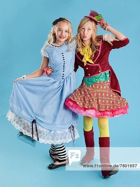 2  Mädchen  Kostüm - Faschingskostüm  10-11 Jahre  10 bis 11 Jahre  Halloween