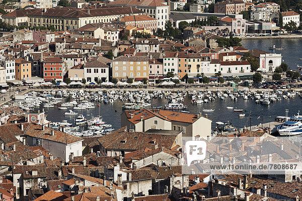 Kroatien  Blick von der Sv Eufemija Kirche am Hafen von Rovinj