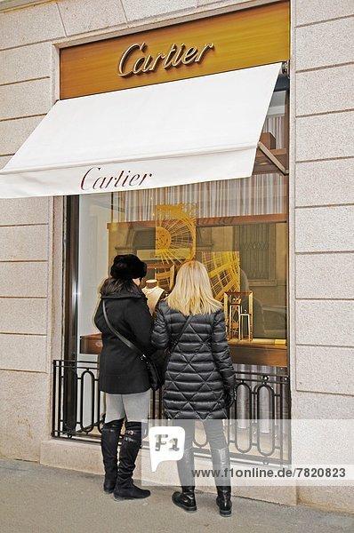 Italien  Lombardei  Mailand  Via Montenapoleone  Kartoffelschmuckgeschäft