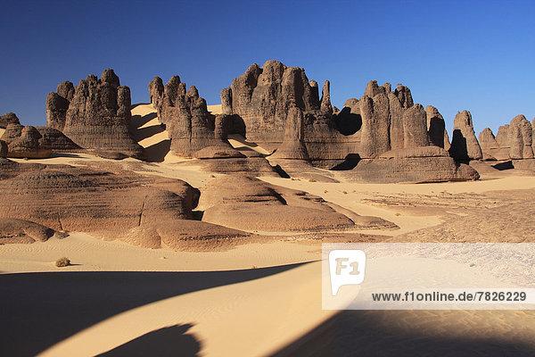 Algeria  Africa  north Africa  desert  sand desert  Sahara  Tamanrasset  Hoggar  Ahaggar  rock  rock formation  Tassili du Hoggar  sand  sand dune  nature