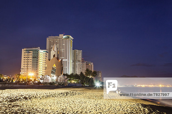 Asia  Vietnam  Nha Trang  Nha Trang Beach  Beach  Beaches  Coast  Coastal  Sea  Skyline