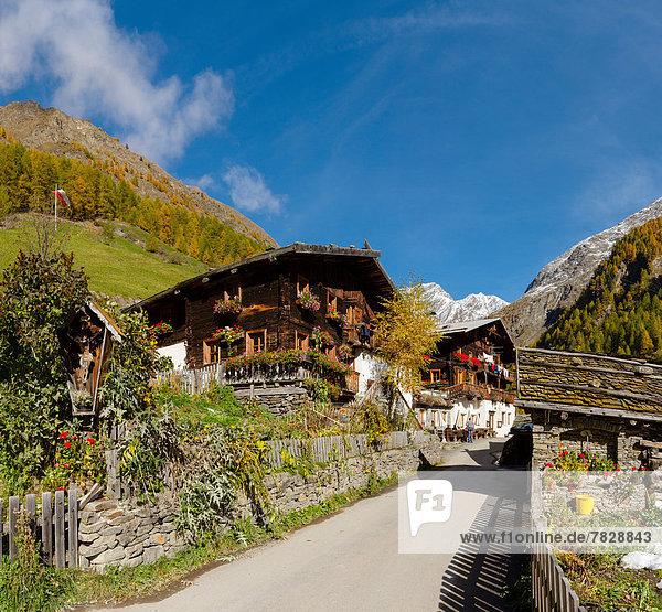 Trentino Südtirol Europa Berg Wohnhaus Hügel Restaurant Herbst Italien