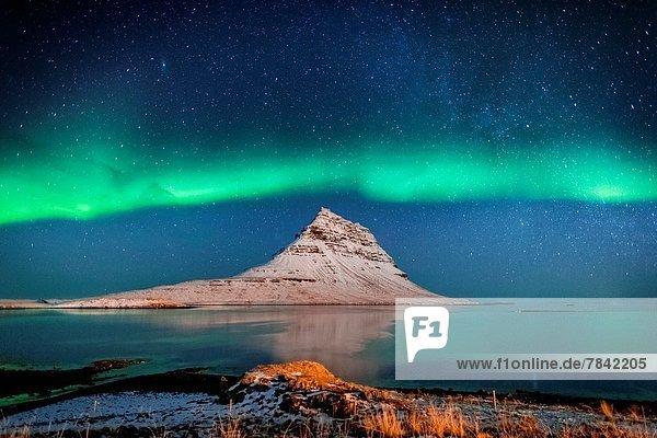 über  Milch  Polarlicht  Weltraumforschung  Snaefellsnes  Aurora  Fjord  Grundarfjordur  Island  Weg