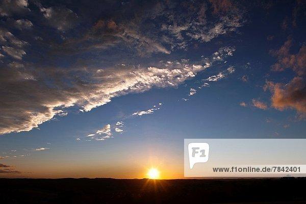 Sonnenuntergang  über  Landschaft