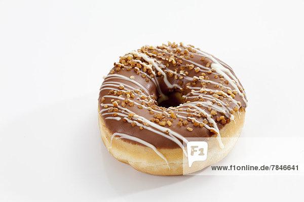 Doughnut mit Schokoglasur überzogen  Nahaufnahme