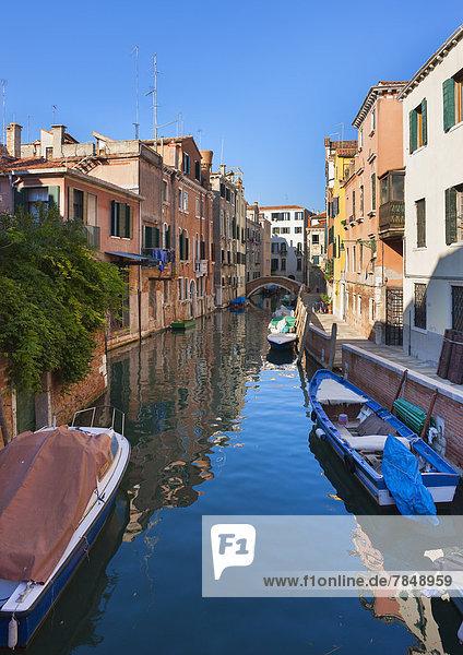 Italien  Venedig  Schlafender Kanal in Dorsoduro