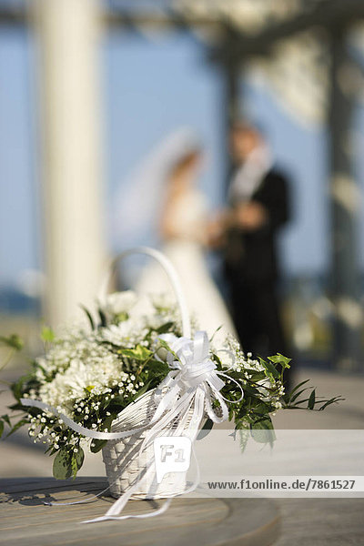 Braut  Blume  Bräutigam  Korb  Hintergrund  Bewegungsunschärfe