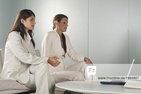 Geschäftsfrauen im Meeting