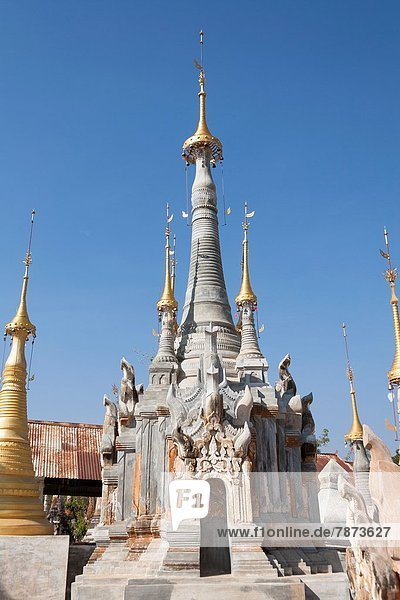 1  Anzahl  Myanmar  Pagode  Shan Staat