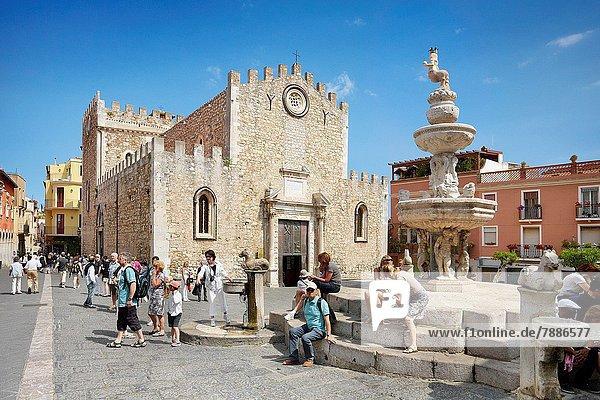 Springbrunnen Brunnen Fontäne Fontänen Kathedrale Barock Corso Umberto Zierbrunnen Brunnen Italien Sizilien
