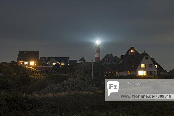 Nacht Gebäude Leuchtturm Reetdach
