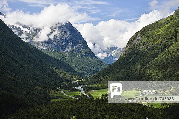 Tal im Gebirge Strynefjell