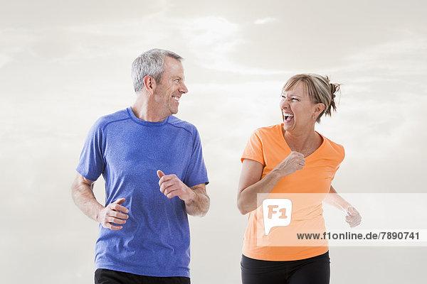 Zusammenhalt  Europäer  joggen