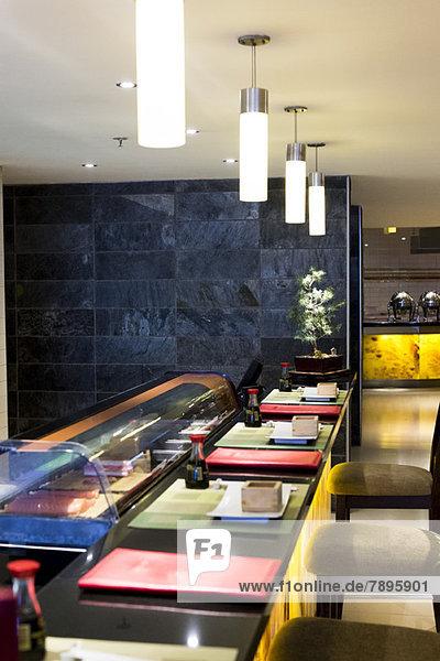 Leere Speisenausgabe in einem Hotel