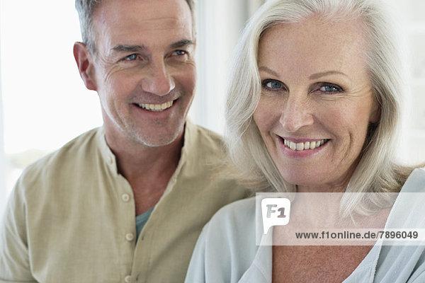 Lächelndes Seniorenpaar