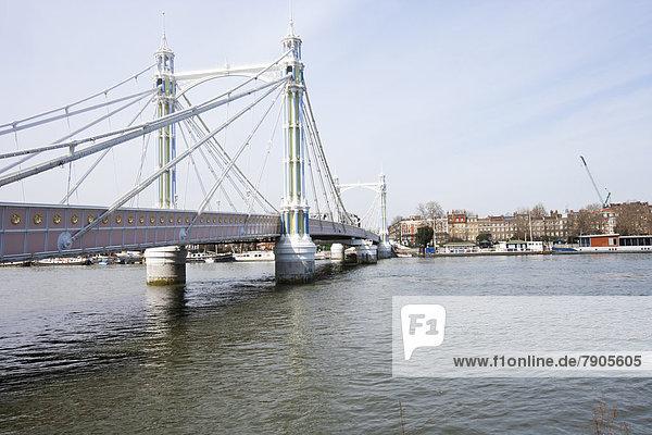 Albert-Brücke während des Tages  London  UK