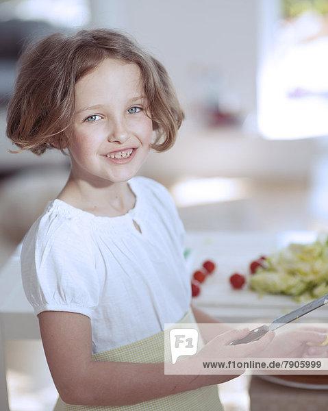 Messer  Küche  halten  jung  Mädchen