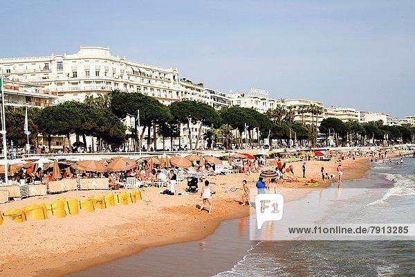 Frankreich Mensch Menschen Strand Cannes