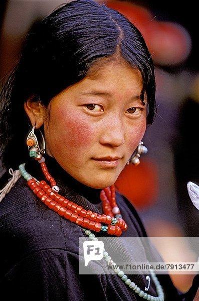 Portrait  China  Jokhang Tempel  Lhasa  Tibet
