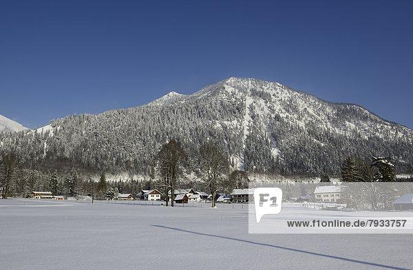 Winter Morgen Dorf Walchensee