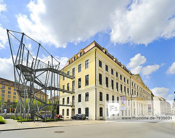 Stadtmuseum Dresden im Landhaus  mit Feuertreppe