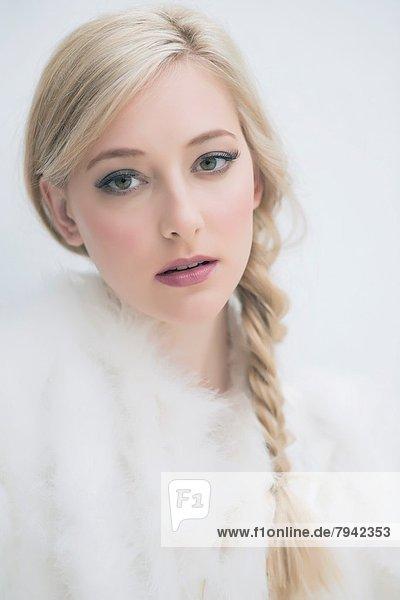 Portrait  blond  Frau  jung