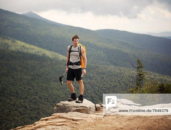 Berg  Mann  Ecke  Ecken  Steilküste  Athlet  weiß  jung  Hampshire  neu