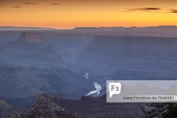 entfernt  Sonnenuntergang  rennen  Fluss  Ansicht  Schlucht  Distanz