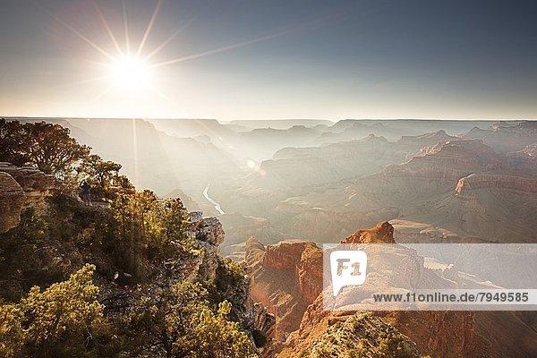 Landschaftlich schön  landschaftlich reizvoll  Landschaft  Ehrfurcht  Sonnenlicht  Ansicht  Schlucht  Sonne