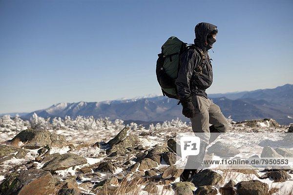 Berg  Berggipfel  Gipfel  Spitze  Spitzen  absteigen  weiß  Klettern  Hampshire  neu