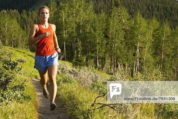 Frau  folgen  rennen