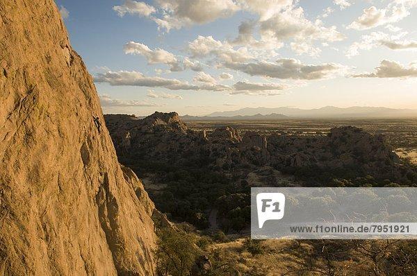 Felsbrocken  Mann  Arizona  Festung  Grabstein  klettern