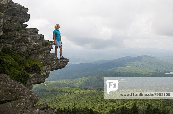 Frau  Felsen  sehen  Ansicht  zeigen  North Carolina