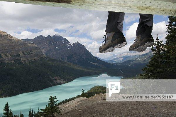 ruhen  Stiefel  See  Ignoranz  wandern  Peyto Lake  Banff Nationalpark  Alberta  Kanada  Aussichtspunkt