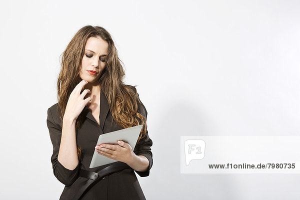 Geschäftsfrau mit digitalem Tablett  Nahaufnahme