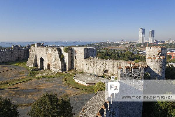 Türkei  Istanbul  Blick auf die Festung Yedikule
