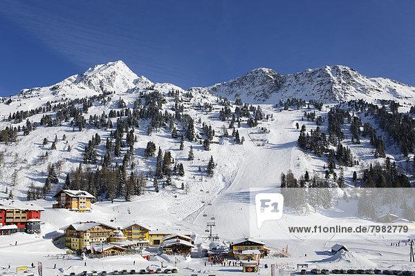 Österreich  Salzburg  Skigebiet mit Plattenspitz