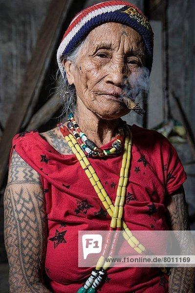 Portrait  Frau  Philippinen  alt