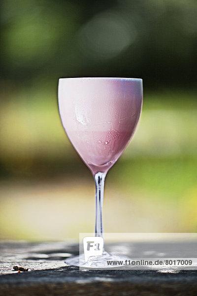 Schweden  Nahaufnahme eines Getränks im Weinglas