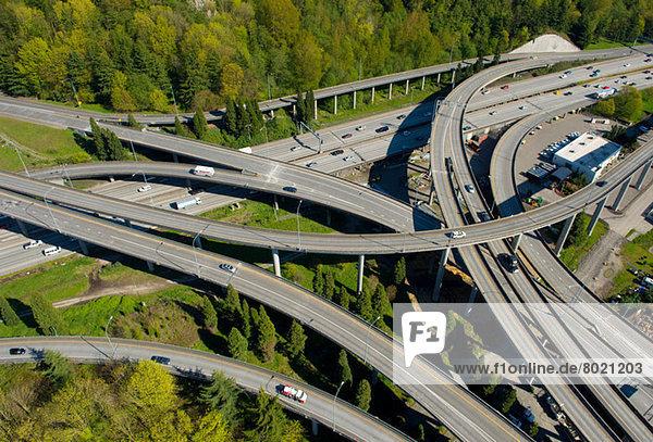 Luftaufnahme von Autobahnüberführungen  Seattle  Washington State  USA