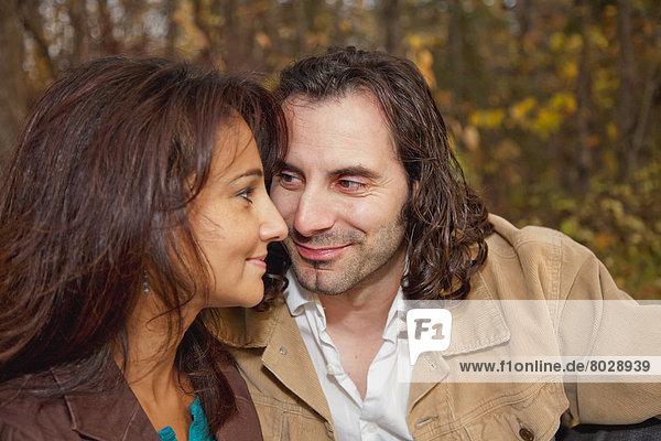 Ehepaar  Herbst  Moment  Romantik