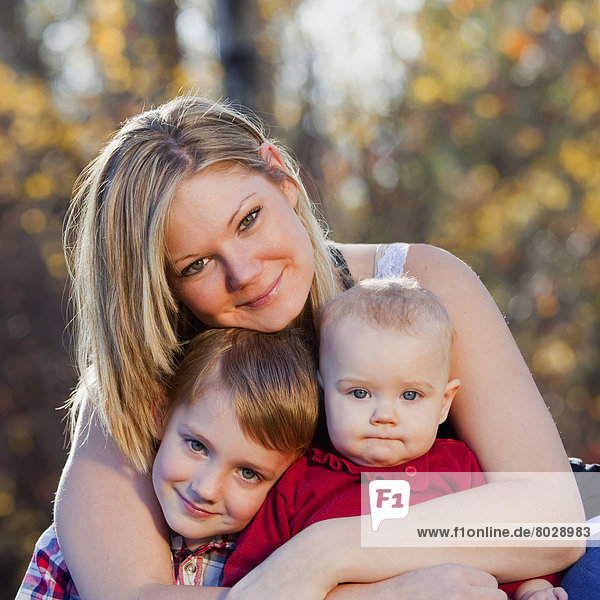Portrait  Sohn  Herbst  jung  Tochter  Mutter - Mensch  Baby