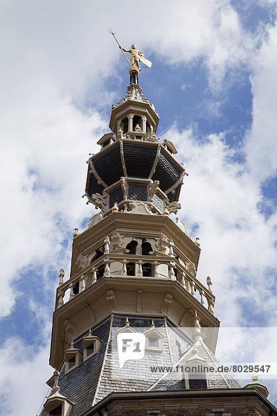 niedrig  hoch  oben  Kirche  Statue  Ansicht  Flachwinkelansicht  Vielfalt  Winkel